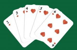Mano de poker escalera de color